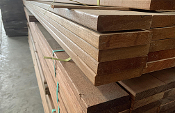致禾木业黄巴劳防腐木地板户外图片